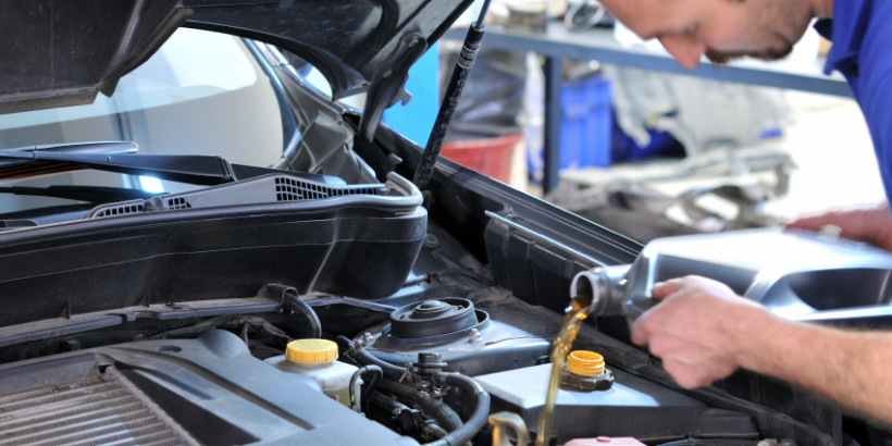 changing-car-oil-filter